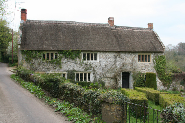 Chardstock: Cottage near Whitehouse Farm