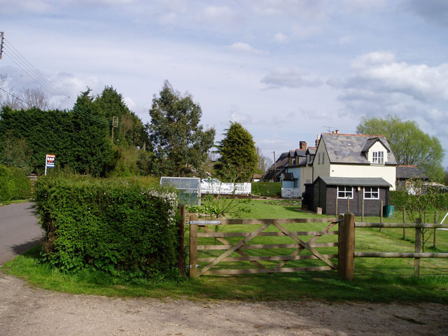Houses in Wimbish Green