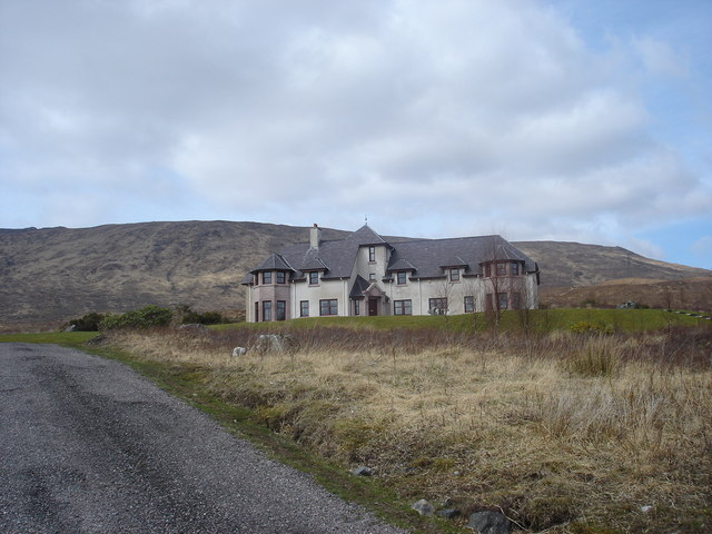 Kingie House on road to Kinlochhourn
