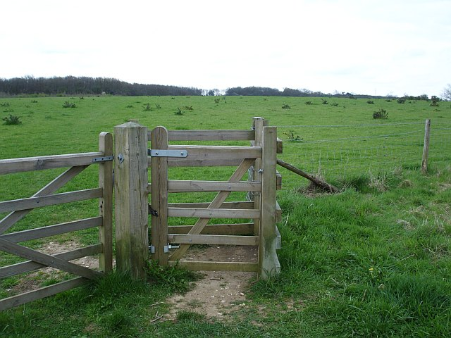 Kissing gate into the Hucking Estate