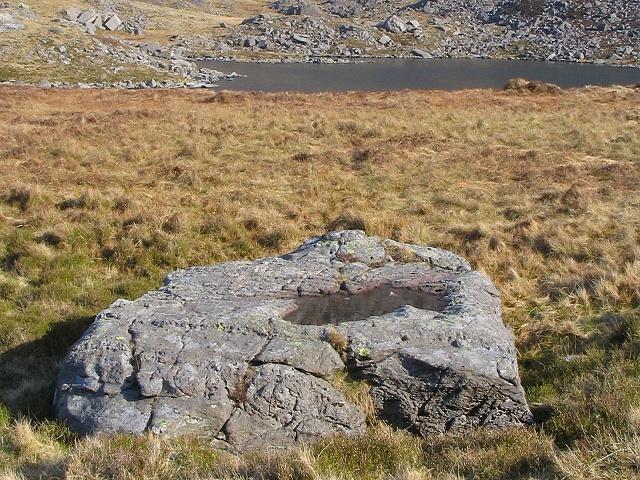 Pool in a boulder near Llyn Bochlwyd