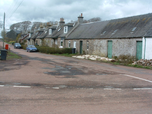 Cottages on road to Bagmoors