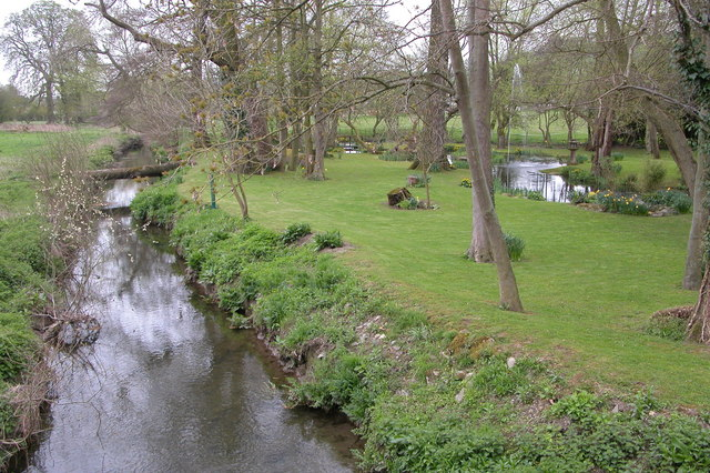 The River Kemp, Kempton