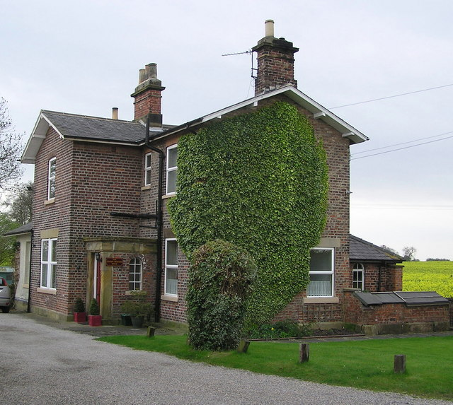 Station Masters House : Cowton Station