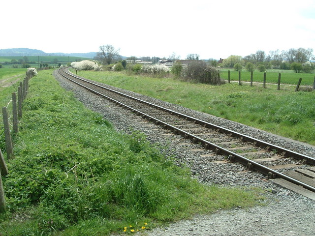 Railway near Apsley Manor Farm