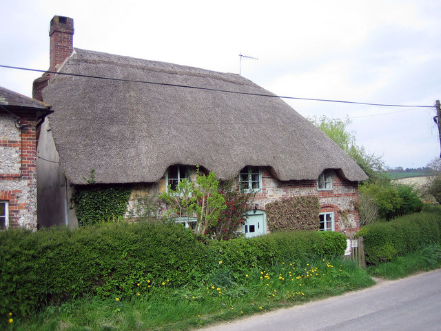 Thatched cottage in Turnworth