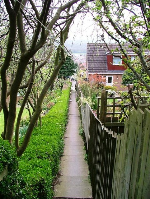 Ginnel off Saltburn Road, Brotton