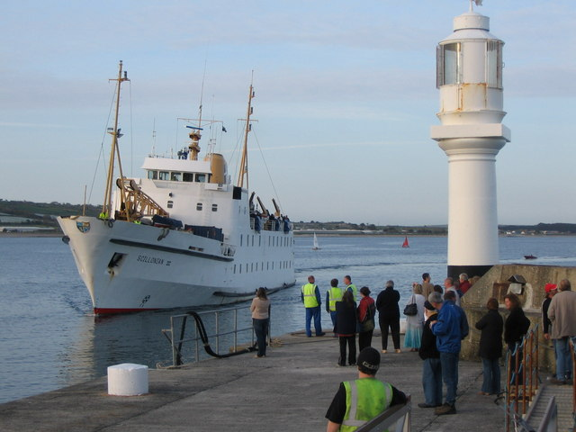 Scillonian III arriving at the South Pier