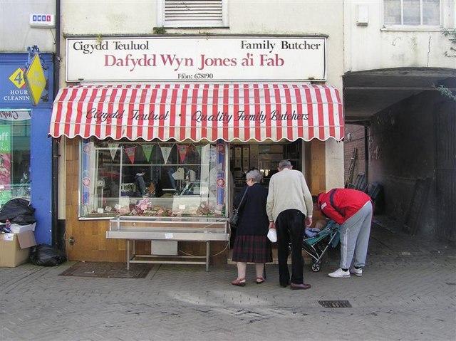 Dafydd Wyn Jones a'i Fab, Caernarfon