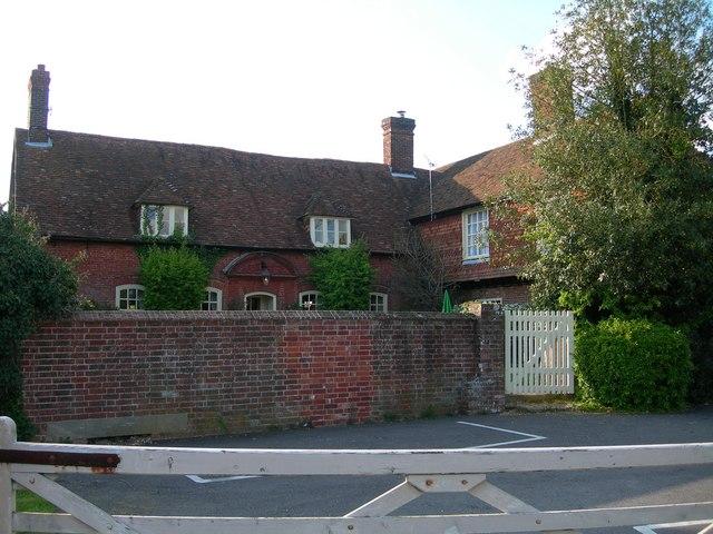 Luzborough House