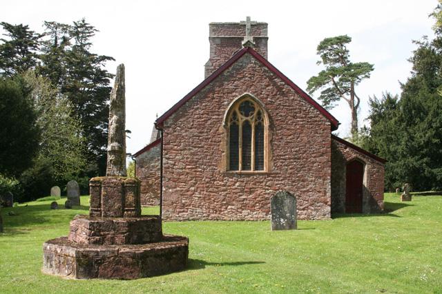 Norton Fitzwarren: Heathfield church and cross