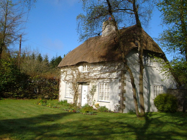 Thatched cottage near Ashcombe Tower