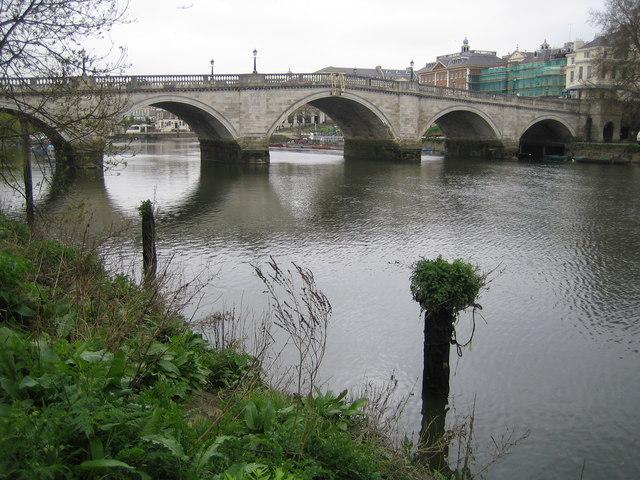 River Thames: Richmond Bridge