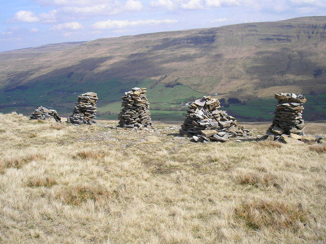 Cairns on Little Fell
