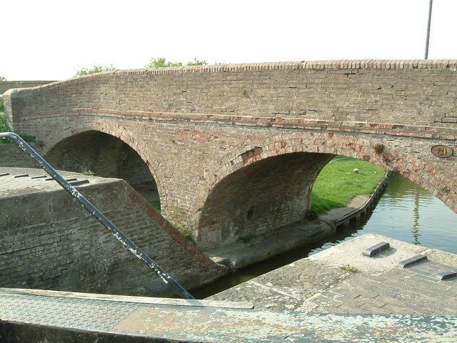Horton Wharf Bridge
