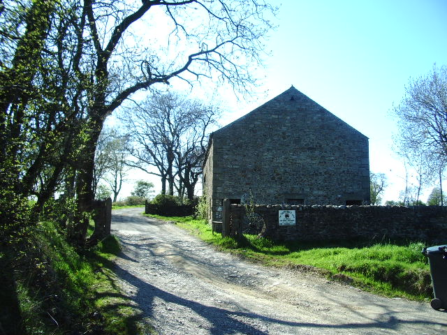 Barn at the entrance to Lower Thornber farm