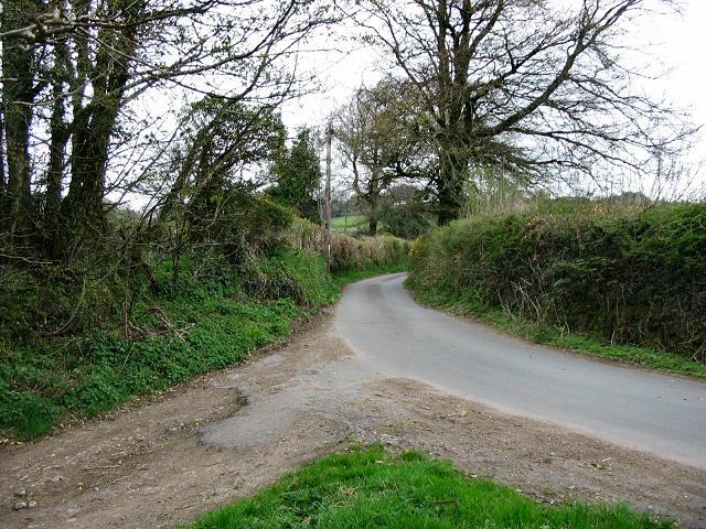 A quiet Dartmoor road