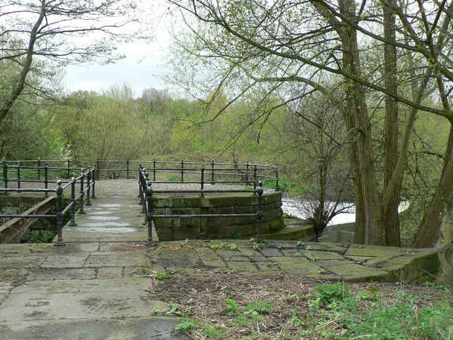 Old sluice for the goit, Kirkstall
