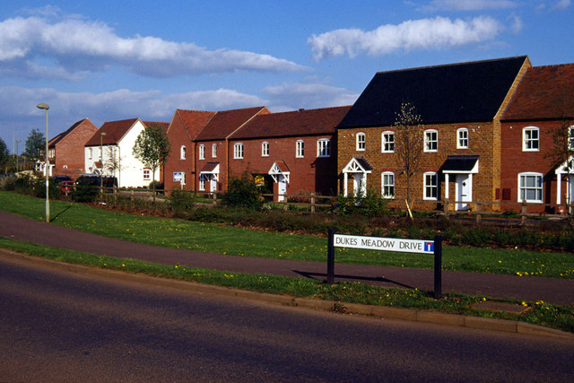 Dukes Meadow Drive, Hanwell Fields