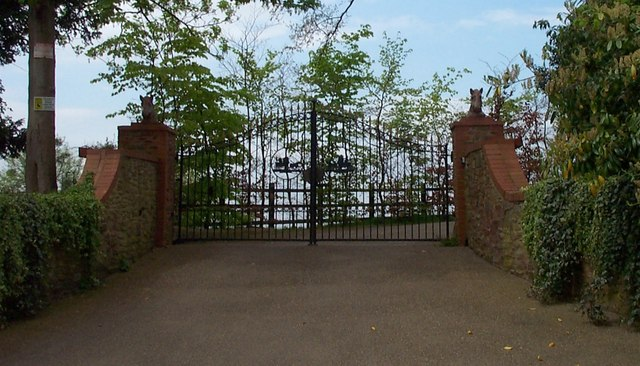 Gates to Sidbrook Coach House