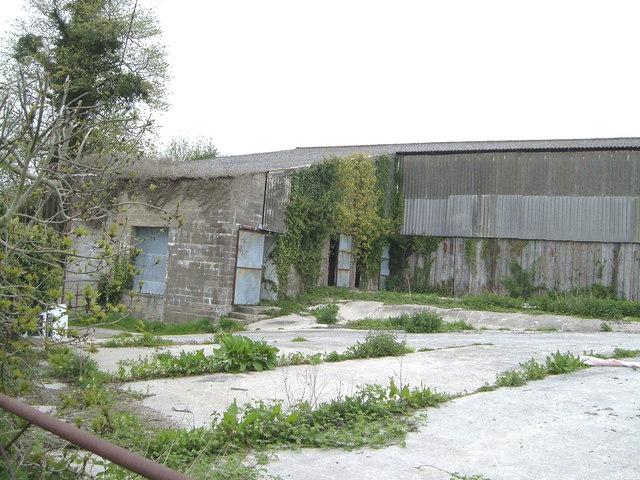 Derelict buildings on Wimborne Road