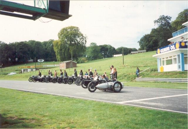 Cadwell Park, start line