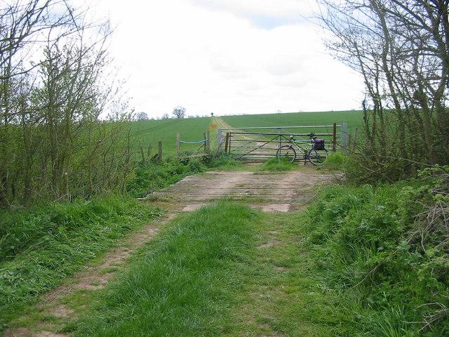 Farm Track near Yaxley Lakes