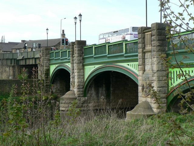 Bridge over River Aire, Kirkstall