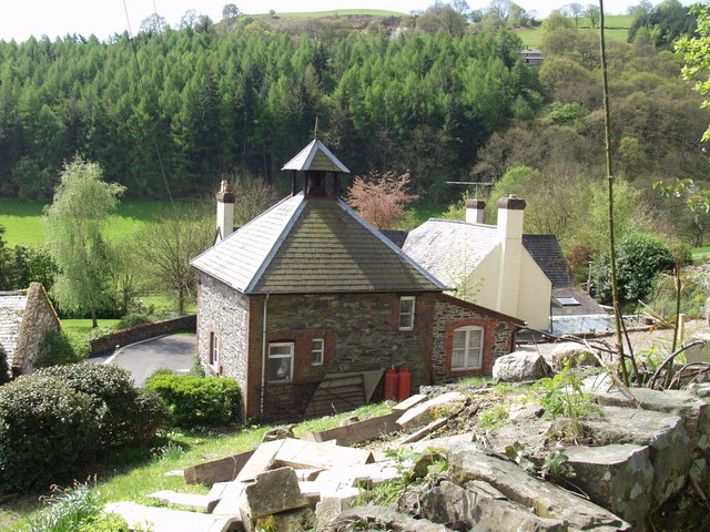 Houses at Tan-y-bwlch