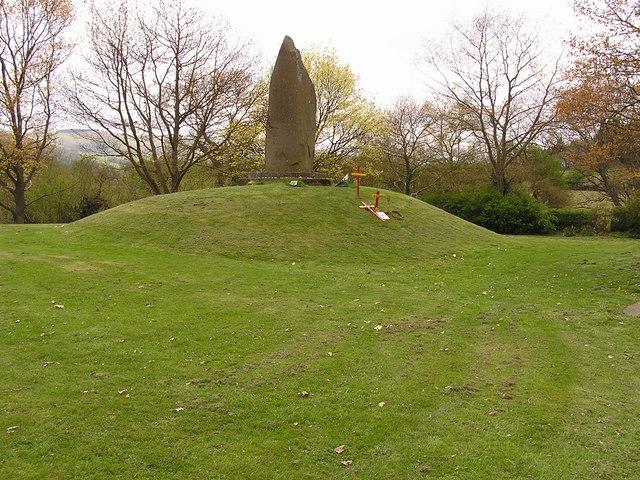 Monument, Cilmery
