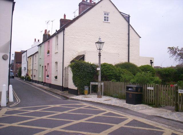 Riverside Cottages, River Road,  Arundel
