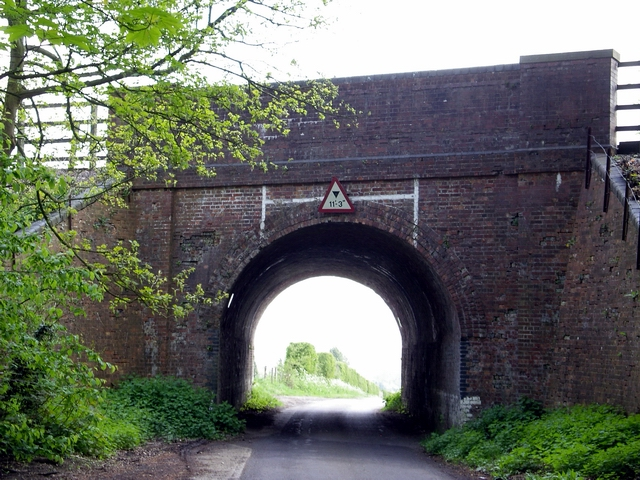 Rail bridge over the Weston Colley to Northbrook road