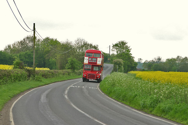 B1417 and Vintage Bus