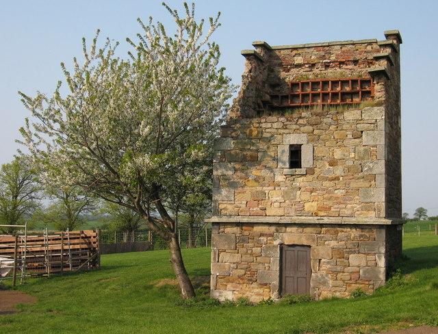 St. Clement's Wells Farm Doocot