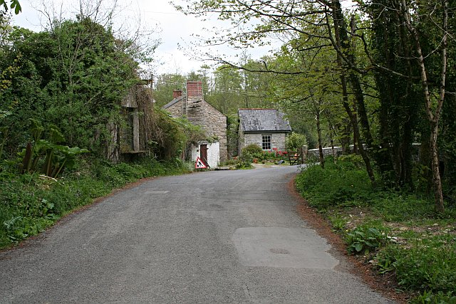Houses at the head of Kennall Vale
