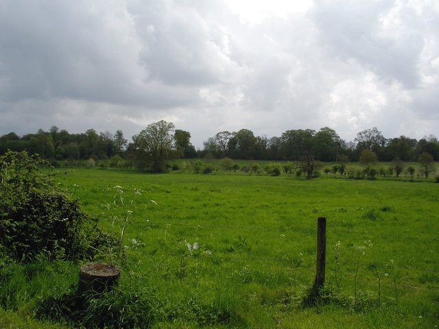 Fields and the River Dever, east of West Stratton
