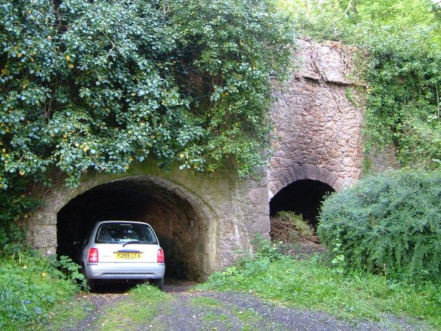 Lime kilns near Kerswell Cross