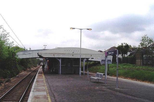 Bowes Park station