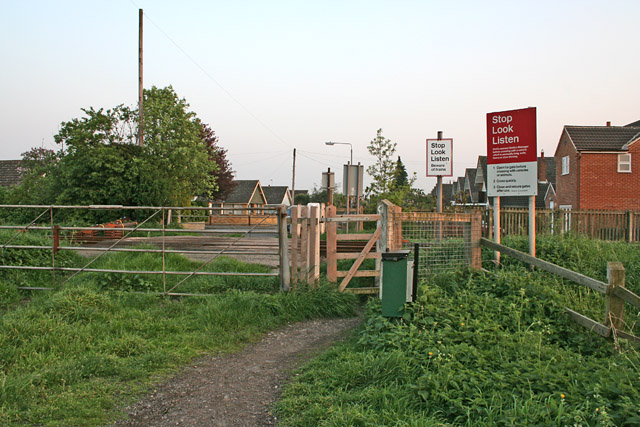 Level Crossing at the end of Cogley Lane