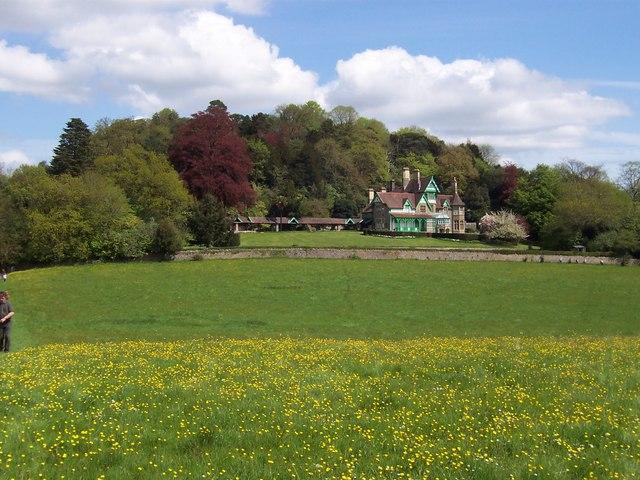 Mansion in Woodcroft