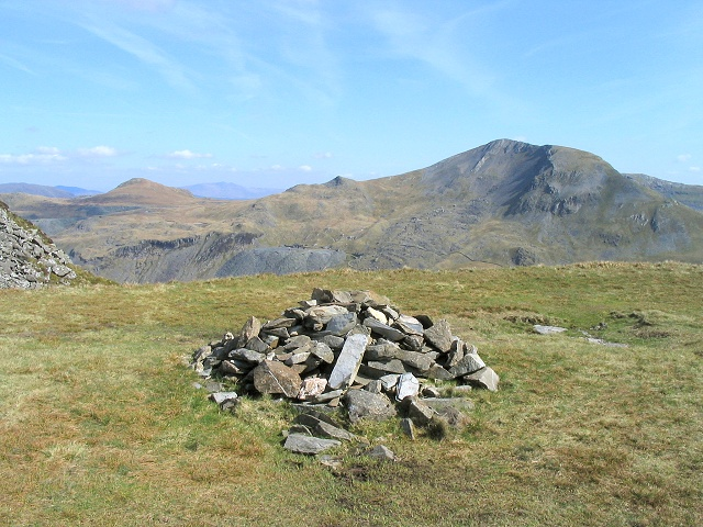 Cairn on plateau below Cnicht summit