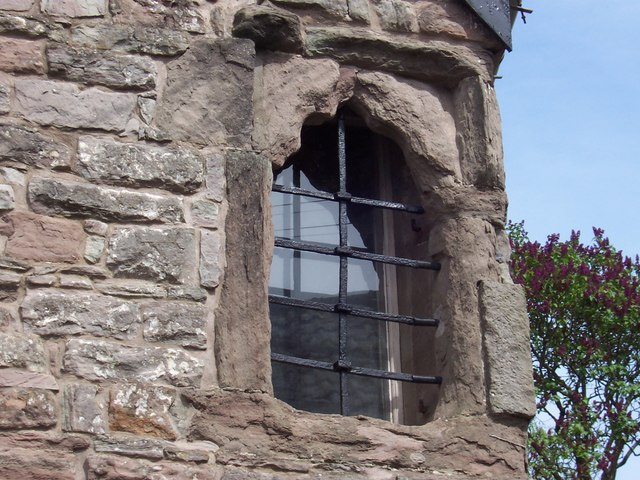 Odd window, Brockweir