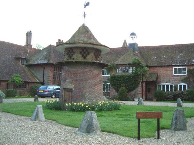 Little Pednor House