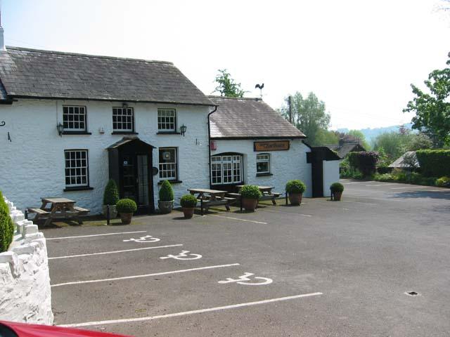 Pub and Italian restaurant, Llanfihangel Gobion