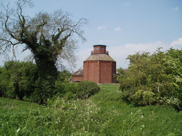 Unusual Building at Haughton Hall Farm, Nottinghamshire