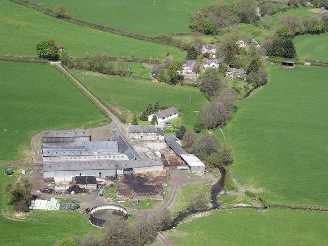 Caer-fach farm & Efail-rhyd hamlet