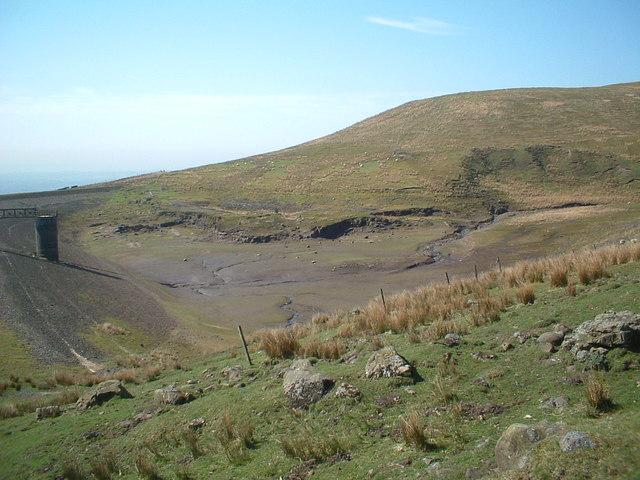 Disused reservoir near Brown Hill