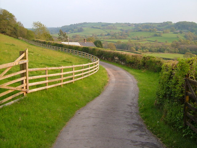 Farm road to Great Parford