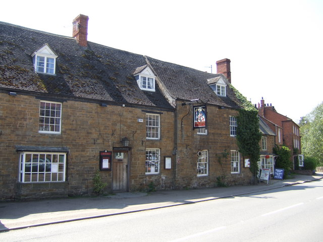 George Hotel, Lower Brailes