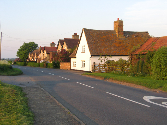 Cottages, Eyeworth, Beds